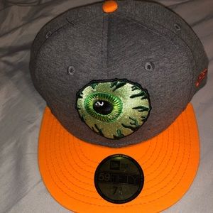 MISHKA hat Sz. 7 3/4 eyeball style with fangs!
